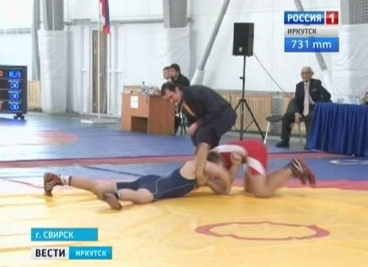 Участники областного турнира по греко-римской борьбе назвали зал в Свирске лучшим в регионе