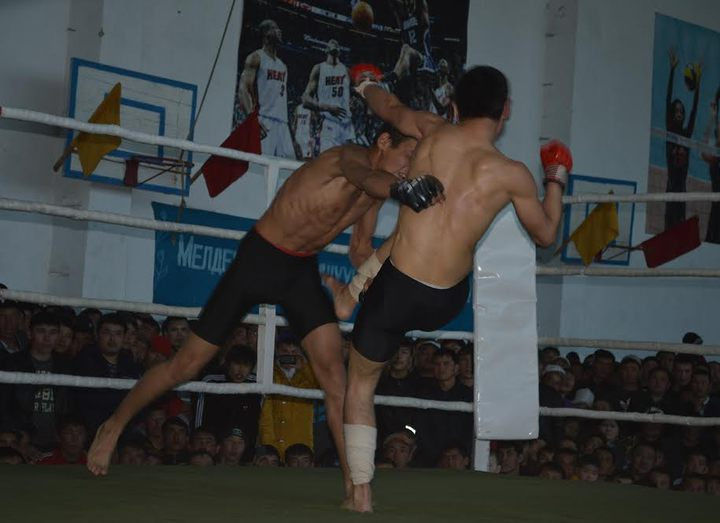 Match meeting on kulatuu between fighters from Kyrgyzstan and Kazakhstan