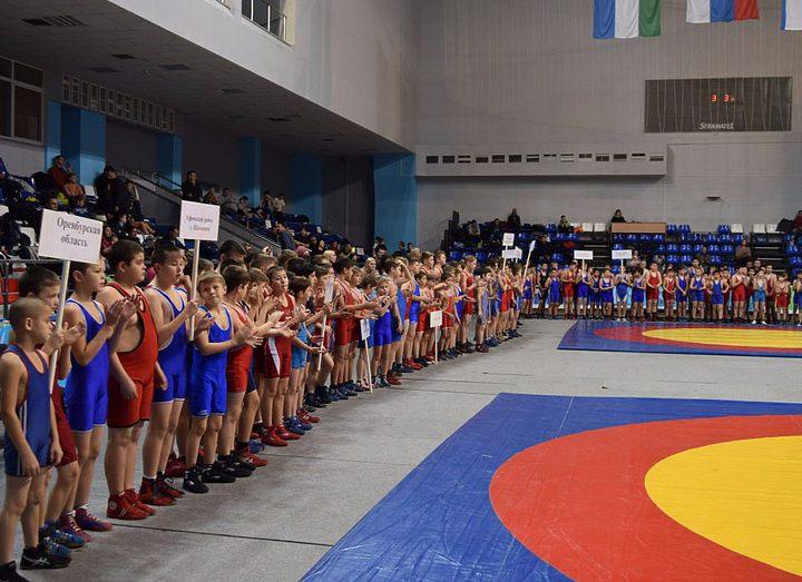 В Уфе прошёл открытый турнир по греко-римской борьбе