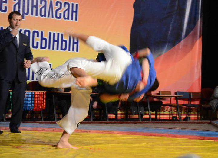 Чемпионат Кыргызстана по борьбе на поясах алыш
