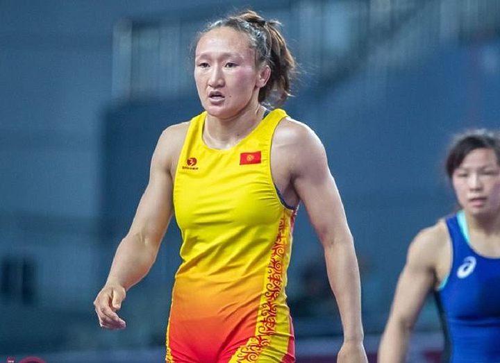 Айсулуу Тыныбекова начала подготовку к чемпионату мира по борьбе