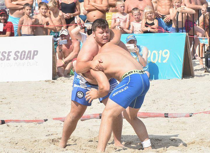 В Одессе прошел турнир «Beach Wrestling World Series»