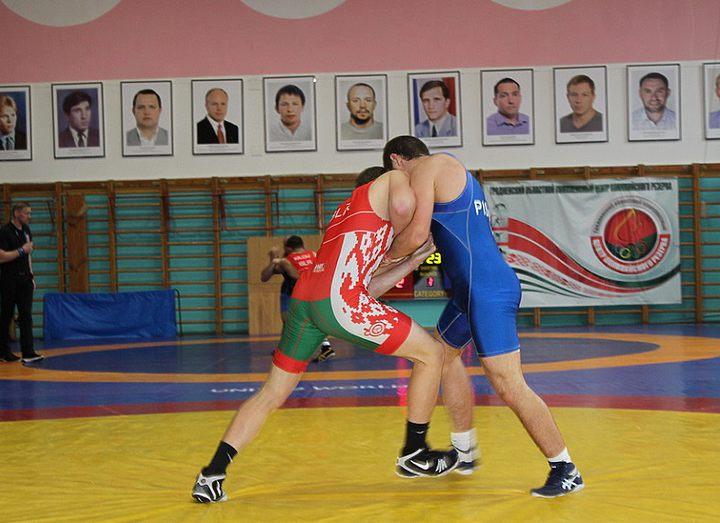 В Гродно прошел открытый турнир по греко-римской борьбе