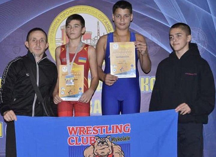 На Николаевщине юные борцы привезли 15 медалей с соревнований