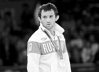 МОК отказался лишать олимпийской медали погибшего российского борца