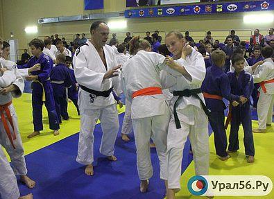 В Оренбурге мастер-класс провел главный тренер сборной России по дзюдо Эцио Гамба
