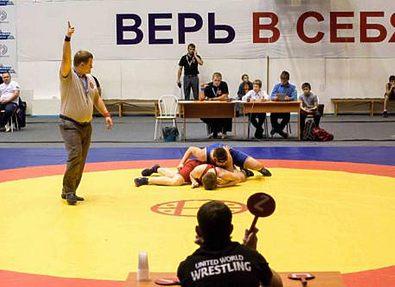 В Новосибирской области прошло первенство по греко-римской борьбе