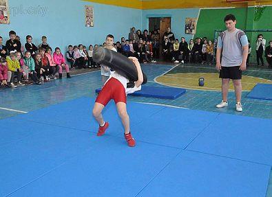В Мариуполе прошел мастер-класс по греко-римской борьбе, посвященный участнику АТО Алексею Васюкову
