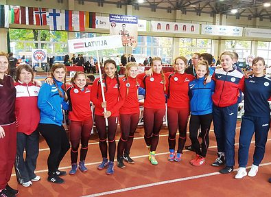 Воспитанницы ДЮСШ выиграли две серебряные медали в Вильнюсе