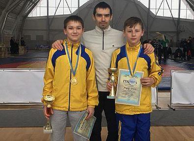 Тернопольские борцы привезли две награды с чемпионата Украины