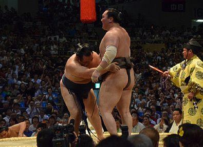 Йокодзуна Какурю завоевал Кубок Императора в городе Нагоя