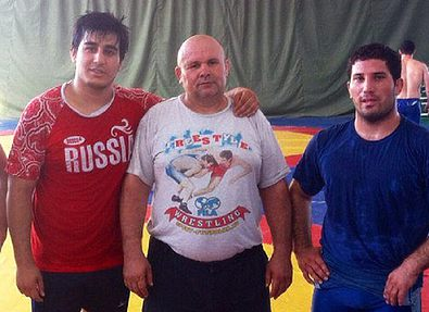 Тренер таджикских борцов Олимов: хочу видеть в учениках то, чего сам не добился