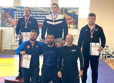 Сахалинские борцы завоевали две медали на всероссийских соревнованиях