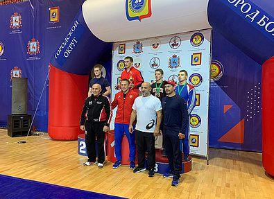 Определились победители и призеры Кубка России по греко-римской борьбе среди юношей