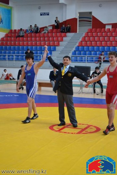 В караганде стартовал чемпионат казахстана по греко-римской борьбе, сообщается на