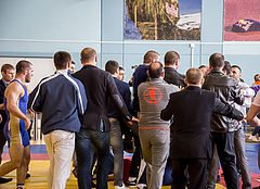 Во Владивостоке соревнования по вольной борьбе закончились массовой дракой